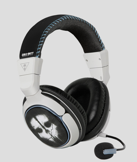This headset is quite the beauty, with Call of Duty branding above both ear cups.